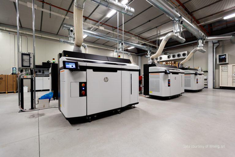 Fleet-of-HP-JF-5200-3D-Printers-Credit-to-Weerg-3-768x512